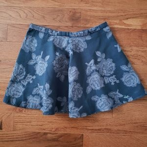 Abercrombie + Fitch Floral Skirt Size Medium!
